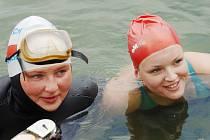 Vlevo Zuzana Štěpánková, vedle juniorka Naďa Tylová.