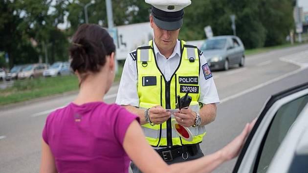 Policejní kontrola. Ilustrační fotografie.