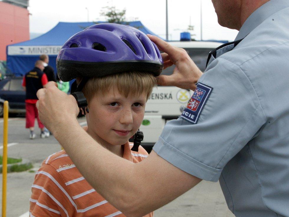Během celého dne návštěvníkům představili své prezentační akce policisté, hasiči i záchranáři. Pro děti byly připraveny hry a soutěže.