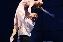 TANEČNÍCI V HLAVNÍCH ROLÍCH. Hlavní role tančí Barbora Kohoutková a Petr Münch.
