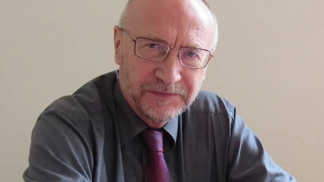 Ředitel nejstarší střední průmyslové školy v Čechách, Josef Šorm.