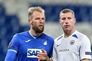 Marios Purzitidis (vpravo) během utkání s Hoffenheimem v Evropské lize.