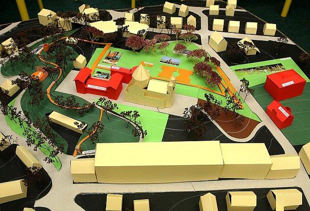 Soukromá škola se rozrůstá. Chce další městské pozemky.