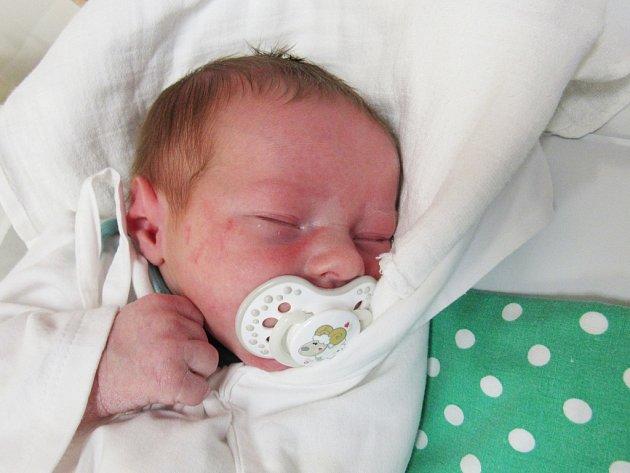 JAKUB KORF  Narodil se 1. ledna v liberecké porodnici mamince Ditě Korfové z Liberce.  Vážil 3,75 kg a měřil 52 cm.