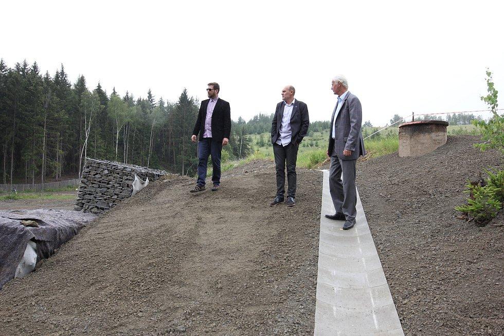 Zleva Pavel Hrabák (TUL), vedoucí projektu Miroslav Černík (TUL) a Vratislav Řehoř (DIAMO).