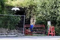 TUNEL MEZI ULICEMI Doubská a 28. října je momentálně neprůchozí.