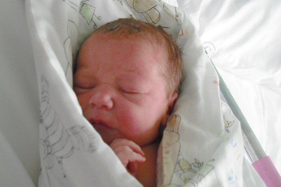 Mamince Veronice Adolfové z Liberce se v pondělí 31. srpna narodil syn František Adolf. Měřil 50 cm a vážil 3,49 kg.
