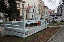 Terasa zmrzlinářství na Sokolovském náměstí v Liberci.
