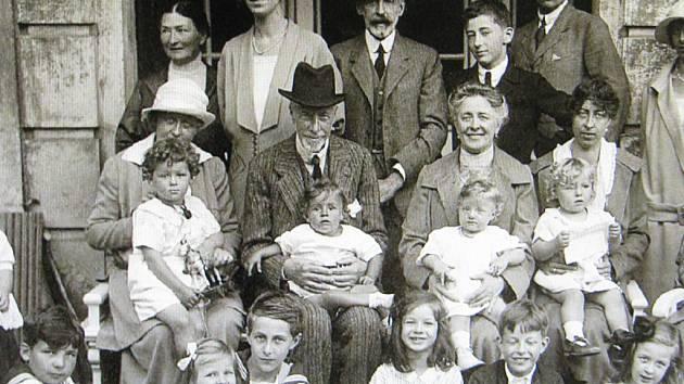 FRANZ CLAM-GALLAS v rodinném kruhu.