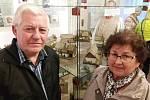 Josef Licehamer s manželkou na zahájení výstavy.
