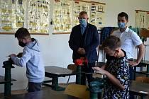 Škola v Turnově jako první obdržela pomůcky pro polytechnickou výuku vrámci projektu Naplňování krajského akčního plánu rozvoje vzdělávání Libereckého kraje II.