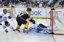 SVÁTEK HOKEJE. Pod Ještěd zavítali na začátku října 2010 hokejisté Bostonu Bruins.