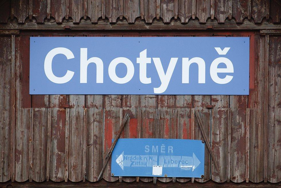 Nádraží v Chotyni