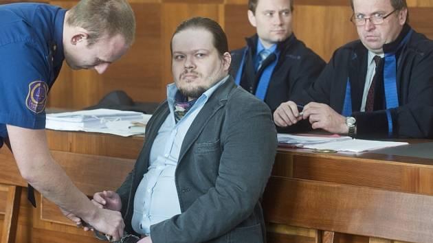 Za údajné vyhrožování smrtí ricinem obžalovaný Drábek potrestán nebyl.