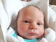 ADAM MACHEK Narodil se 3. dubna 2018 v liberecké porodnici mamince Evě Dufalové z Hrádku nad Nisou. Vážil 2,48 kg a měřil 45 cm.