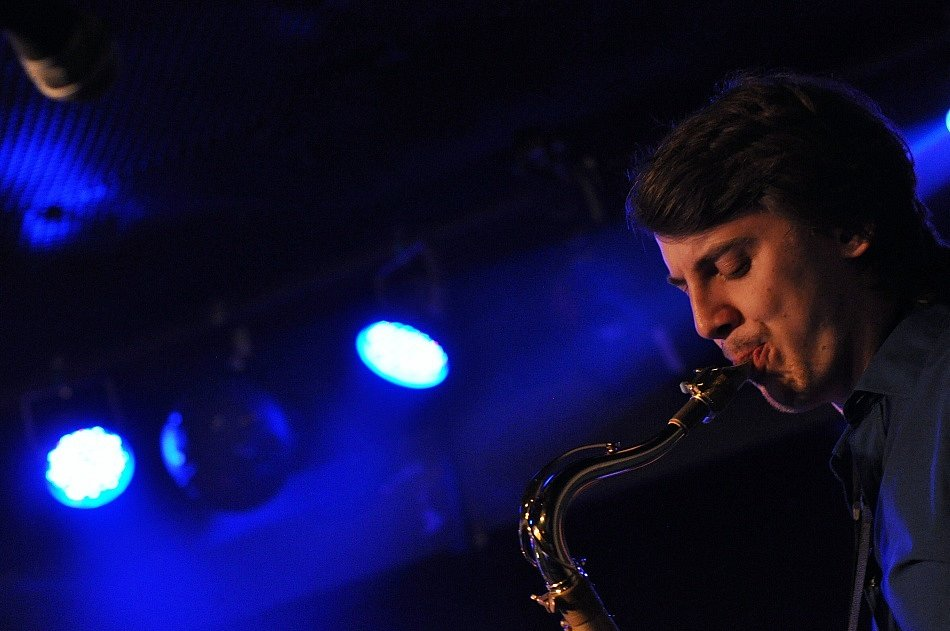 VLTAVA zahrála v novém složení v libereckém Bunkr Rock Clubu. Dechové nástroje kapele dodaly šmrnc.