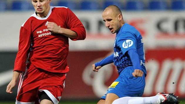 NIC NEVYPUSTIL. Opět výborný Michal Breznaník dal včera dva góly.