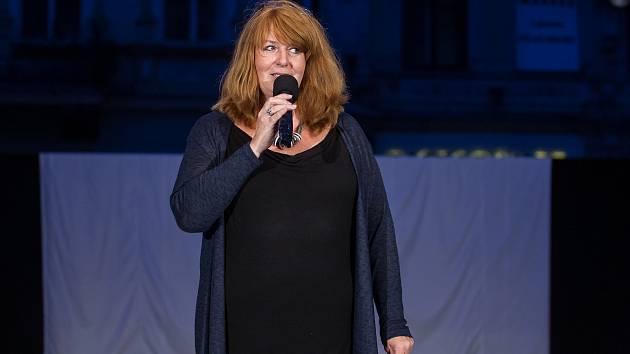 Na kandidátce Starostů se objevila i nová jména, jako např. ředitelka divadla Jarmila Levko.