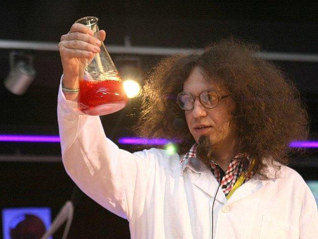 Novinkou je i program v podobě vědecké show.