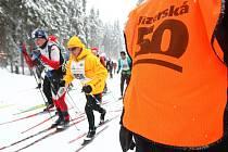 Nový sníh zlepšuje podmínky všech závodů Jizerské 50.