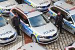 Policisté představili svá nová policejní vozidla.
