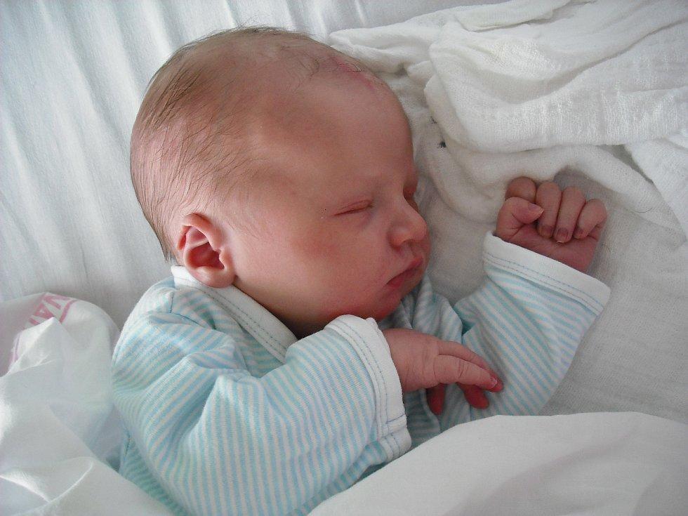 Zdenda Svoboda. Narodil se 15. září v jablonecké porodnici mamince Pavle Svoboda z Liberce. Vážil 3,54 kg a měřil 51 cm.