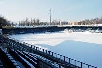 Stadion U Nisy je pod sněhem, ohrožena je generálka na start jarní části ligy s Bánskou Bystricí.