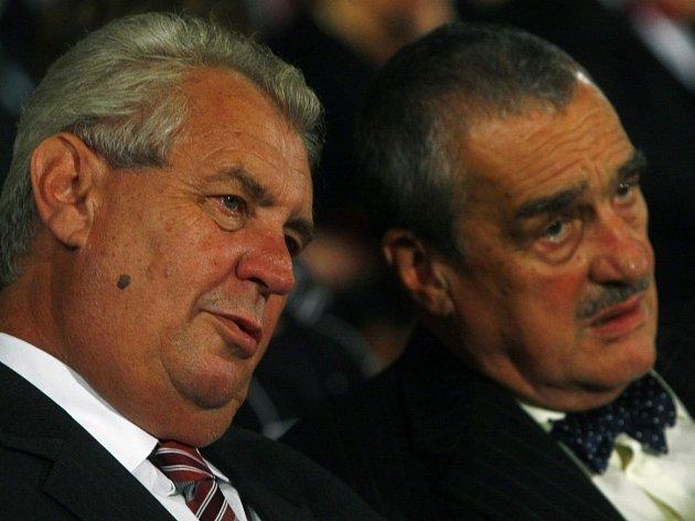 Druhé kolo rozhodne. Zvítězí Miloš Zeman nebo Karel Schwarzenberg?