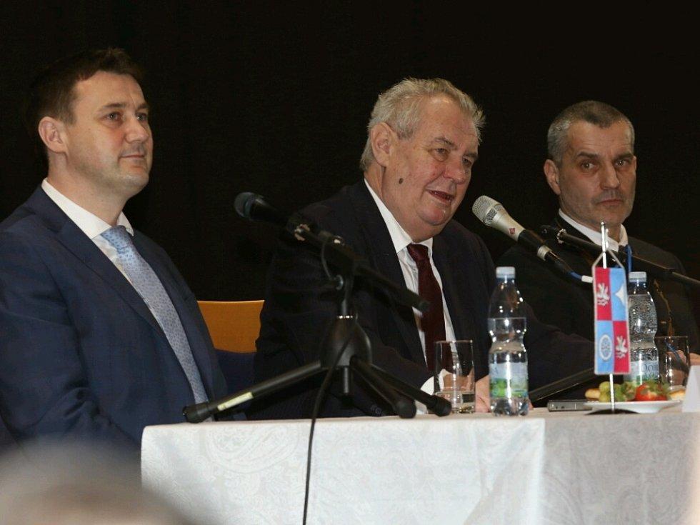 Prezident Miloš Zeman na besedě s občany města Tanvald.