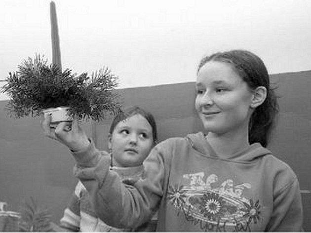 DO OBLASTNÍ GALERIE ZAVÍTAJÍ VÁNOCE UŹ TENTO VÍKEND. Vánoční atmosféru mohou nasát nejen děti, ale i dospělí. Nebude chybět ani Čert a Mikuláš.