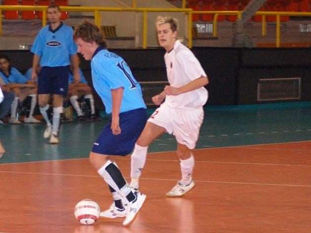 ANDY JEN REMIZOVALO. Liberečtí futsalisté se nedokázali prosadit, naopak hosté měli brejky. V bílém Pavel Kutílek.