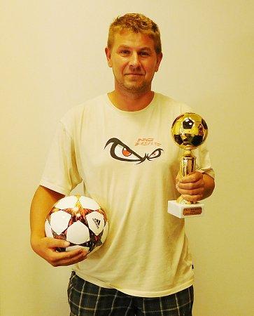 Vítězové obou fotbalových III. tříd převzali na OFS vLiberci poháry a míč.