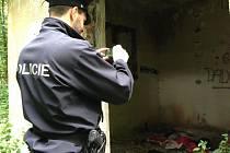 Policie prozkoumala doupě v Lukášově.