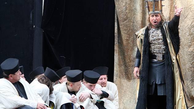 Operu Nabucco si diváci vychutnali pod širým nebem.
