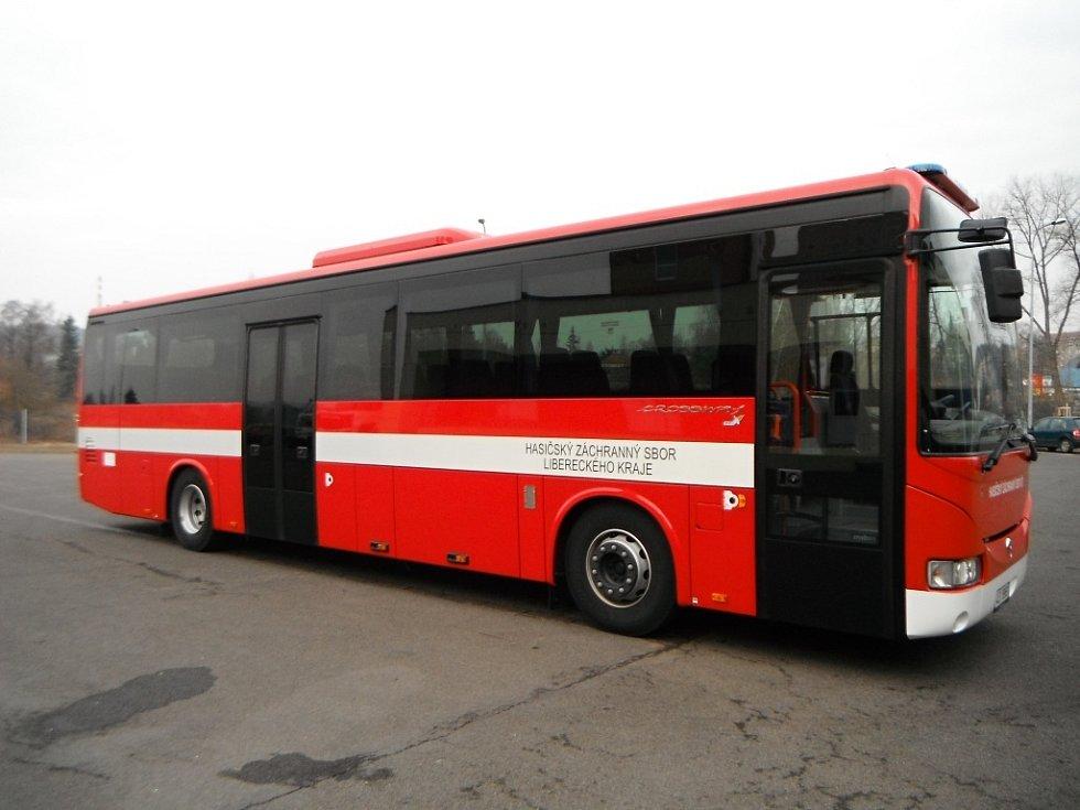 Hasičský evakuační autobus.