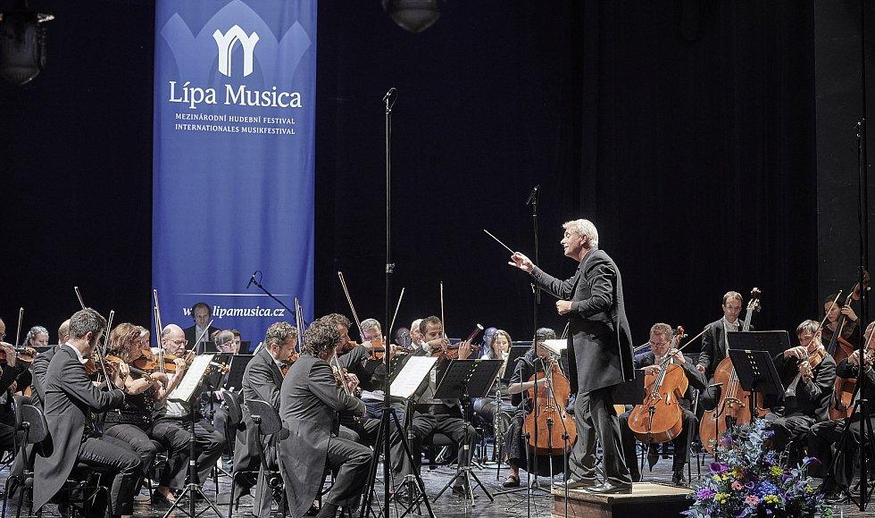 Lípa Musica oslavila 20. narozeniny koncertem Dvořákových skladeb.