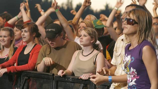 HRÁDEK ROCK SUMMER každý rok navštíví zhruba tisíc návštěvníků.