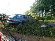 Spolujezdec zemřel při nehodě Felicie v Hrádku nad Nisou.