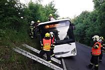 Nehoda autobusu u Českého Dubu.