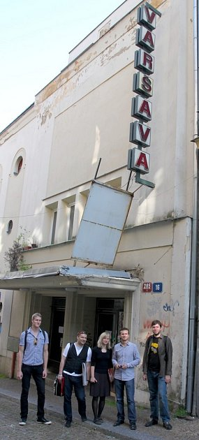 MLADÍ LIBEREČANÉ chtějí zkina Varšava vybudovat multikulturní zařízení skavárnou a kinem pro širokou veřejnost.