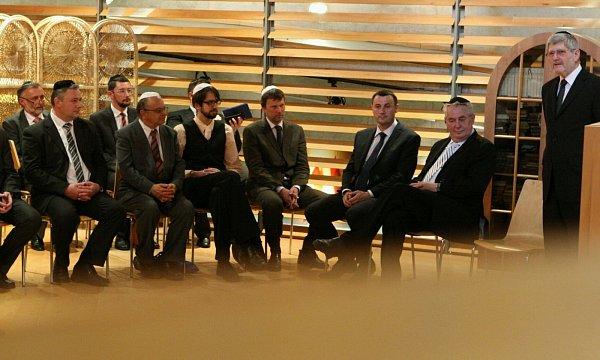 Návštěva nové židovské modlitebny vKrajské vědecké knihovně vLiberci.