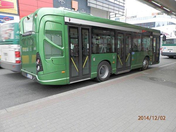 Dopravní podnik testuje nové autobusy. Koupit je ale nemá vplánu.