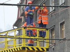 Poslední práce dolaďovali na tramvajovém úseku také energetici.