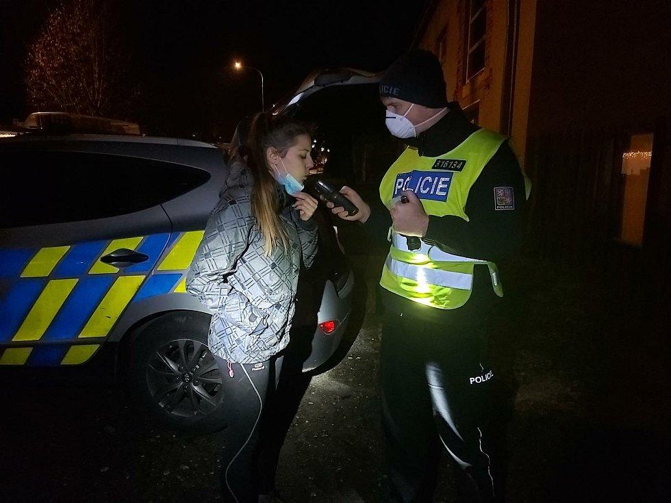 Policie kontrolovala řidiče i chodce.