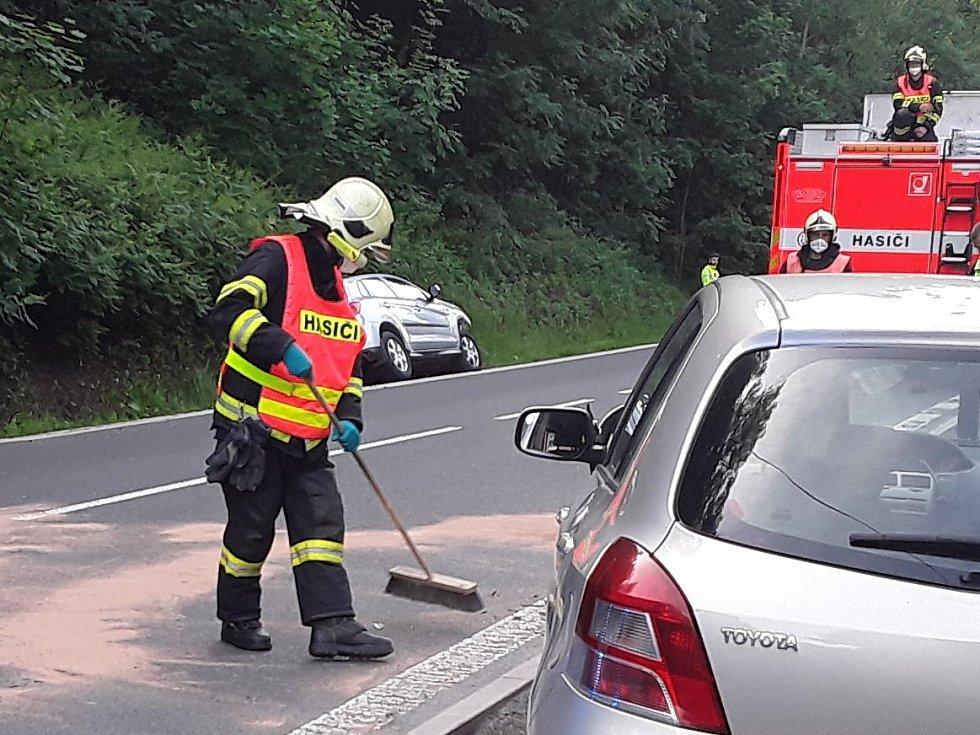 Dopravní nehoda ve Stráži nad Nisou.