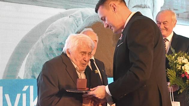 Poctu hejtmana Libereckého kraje získal předválečný starosta, fotograf i vědec.