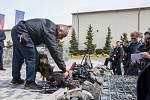 Prezident České republiky Miloš Zeman navštívil 9. května společnost Trevos v Turnově. Na snímku bezpečnostní kontrola.