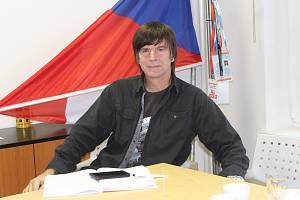 Martin Bauer, levoruký jednatel společnosti Sundisk, předseda představenstva Okresní hospodářské komory Jablonec nad Nisou