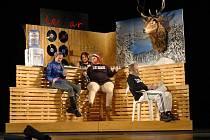 DIVADELNÍ HRA KOKKOLA finské dramatičky Leey Klemoly je prvním českým uvedením na profesionální scéně.