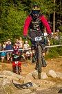 Finále závodu světové série horských kol ve fourcrossu JBC 4X Revelations proběhlo 14. července v bike parku Dobrý Voda v Jablonci nad Nisou. Na snímku je biker Felix Beckeman.